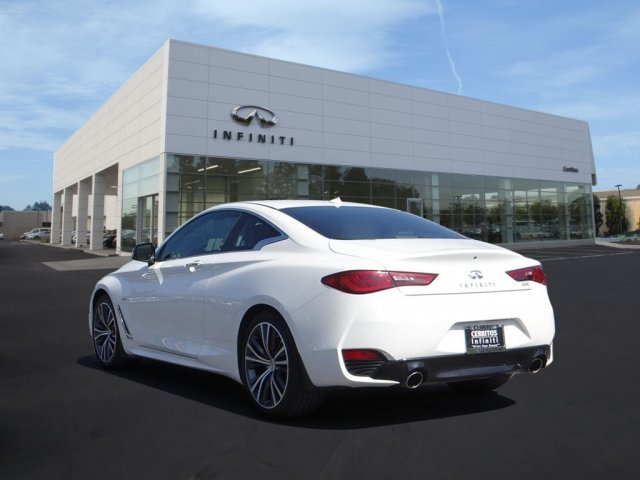 Pre-Owned 2018 INFINITI Q60 2.0t LUXE